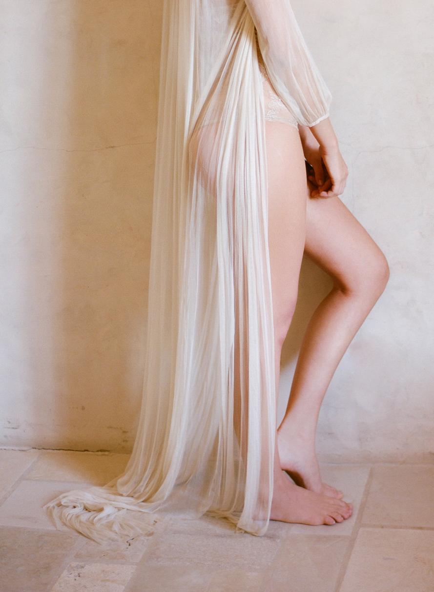Delicate boudoir inspiration featured on once wed shannon von shannonvoneschenshannonvoneschen delicate boudoir inspiration featured on once junglespirit Gallery